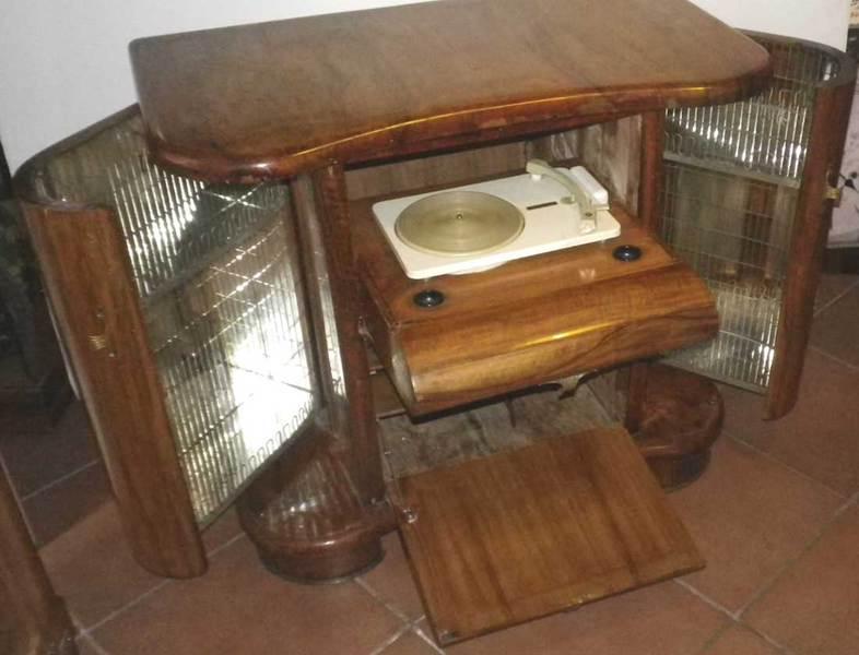 Mobili Radio Giradischi Oggetti Vintage Comodini Specchiere